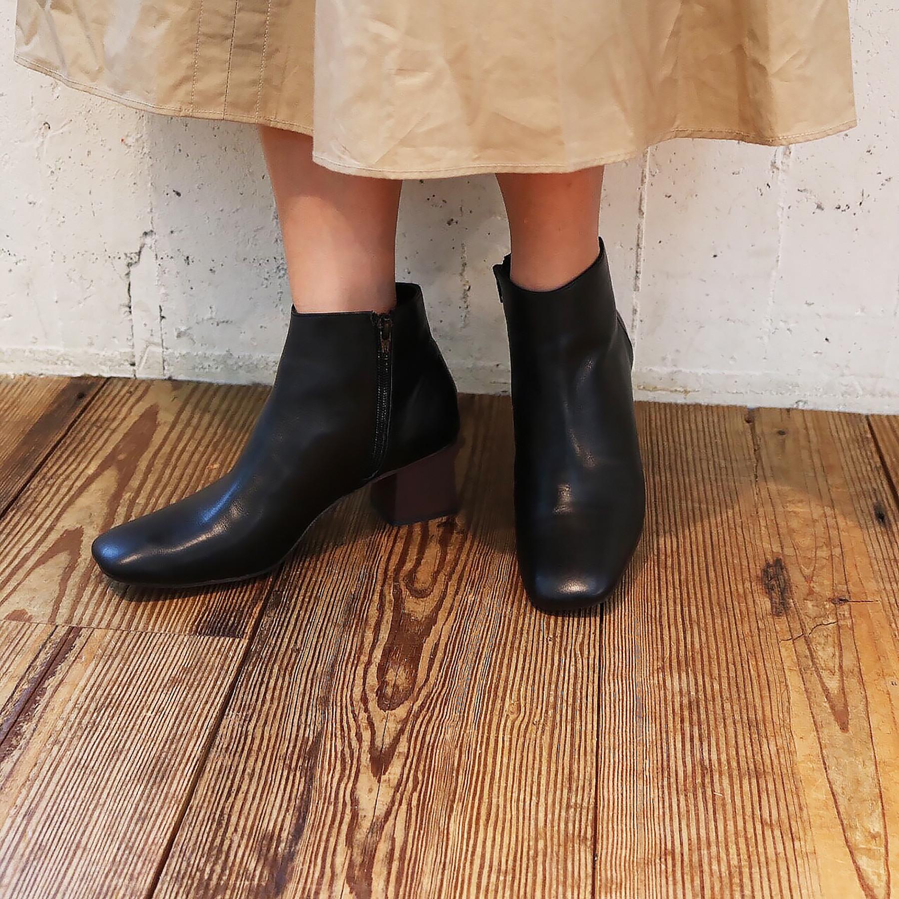 Squaretoe Short Boots