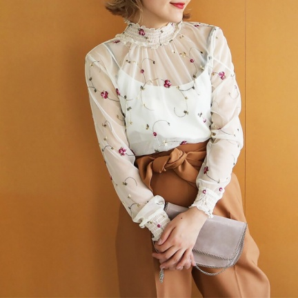 Flower Sheer Blouse(オフホワイト)