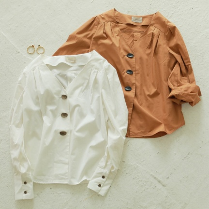 Vneck Tuck Shirts(ホワイト)